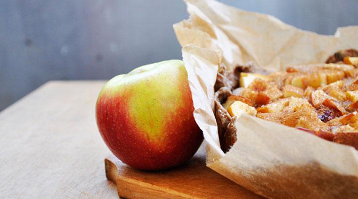 Banana Cream Pie with Cinnamon Crusted Apples - Apple