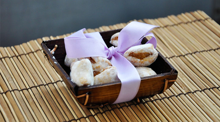 Mini Apple and Cinnamon Rolls gourmandelle.com | Cornulete cu mere si scortisoara