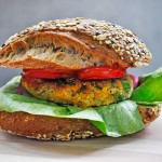 Lentil and Greens Whole Grain Sandwich | Burger vegetarian de linte cu verdeturi