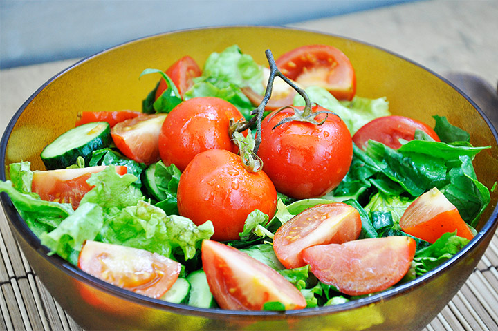 Crunchy Spinach Salad with Roasted Cherry Tomatoes