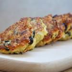 Chiftelute de quinoa cu branza feta si masline Quinoa Patties with Feta Cheese and Olives