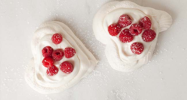 Pavlova Hearts with Chantilly Cream Recipe