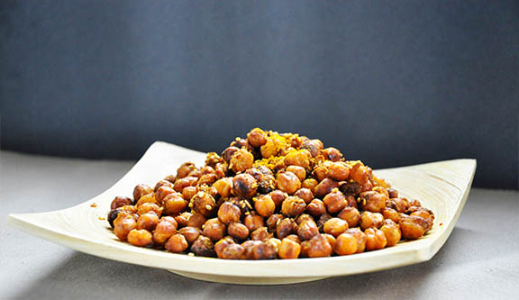 Spicy Oven-Roasted Chickpeas Snack Naut picant prajit la cuptor Vegan