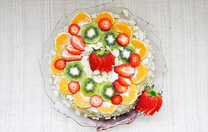 Gluten-Free Vanilla Cake with Fruits Banana-Cashew Cream recipe
