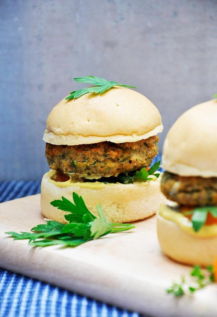 Gluten-Free Lentil Sweet Potato Burgers Burger vegetarian cu linte si cartof dulce fara gluten