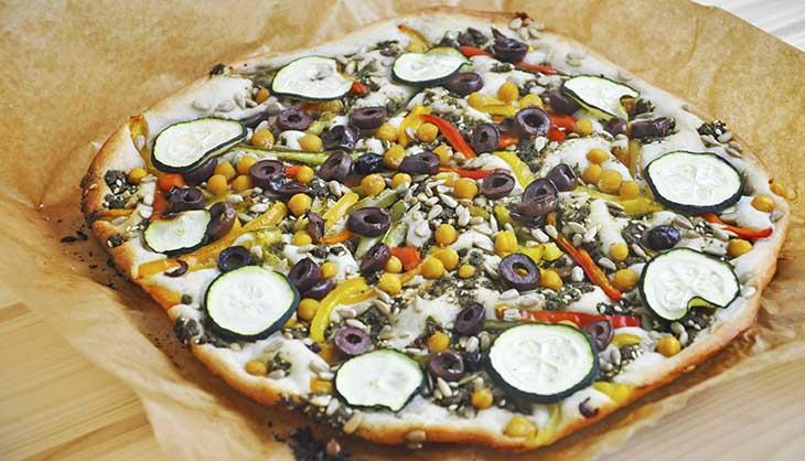 Middle Eastern Gluten-Free Vegan Pizza fara gluten cu specific oriental