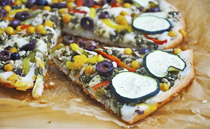 Middle Eastern Gluten-Free Vegan Pizza fara gluten oriental reteta