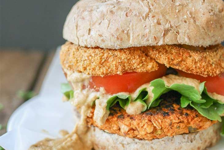 Buffalo-Chickpea-Burgers