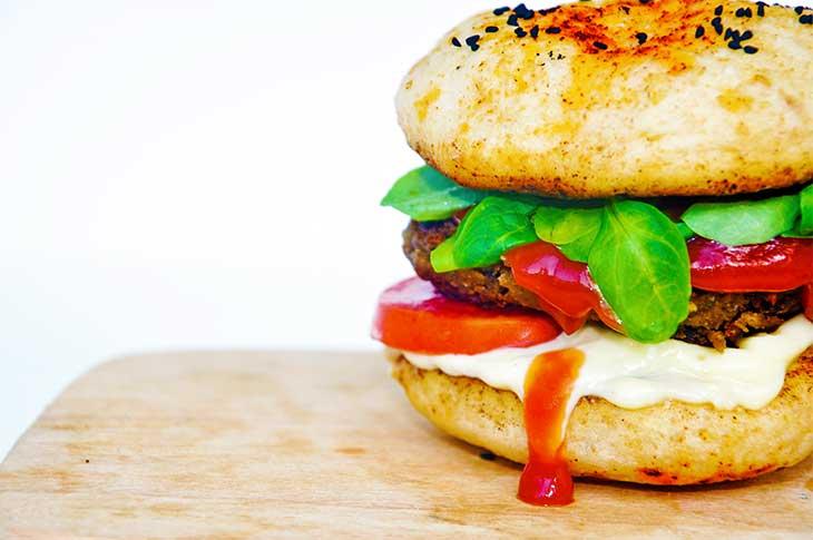 vegan chickpea burger-anatomia-burgerului-vegan-perfect