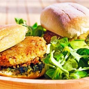 Green-Chickpea-Sandwich-Sandvis-cu-naut