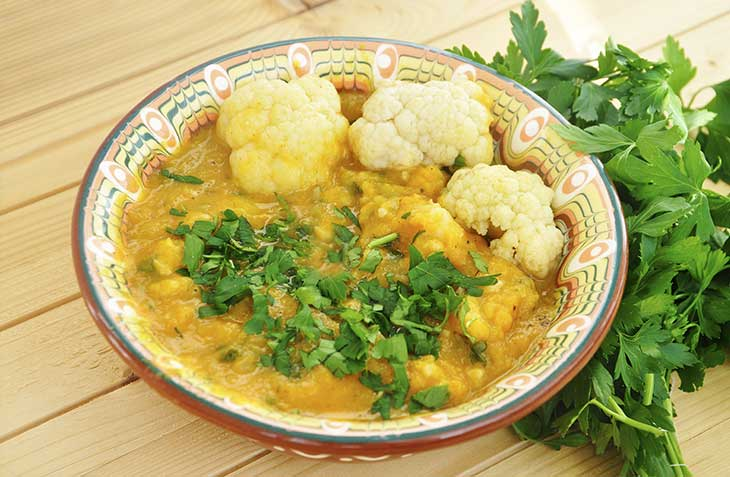 Cauliflower-sweet-potato-stew-Mancare-de-conopida-si-cartof-dulce-vegan