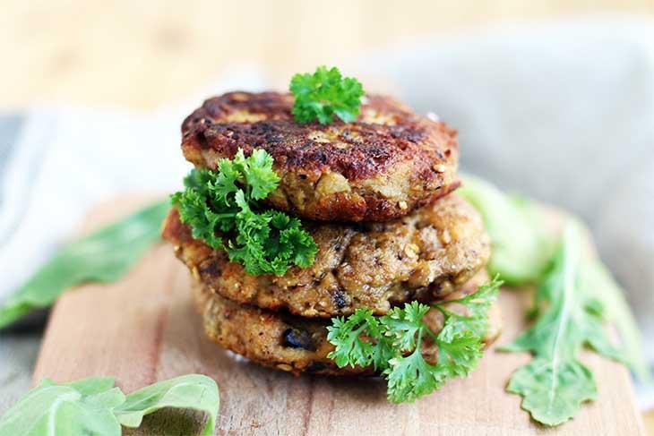 eggplant-fritters-with-mushrooms--chiftele-de-vinete-cu-ciuperci