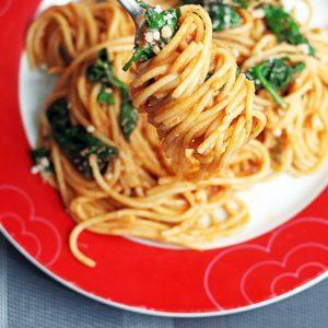 One-Pot-Italian-Pasta-Spaghete-cu-Spanac-si-Rosii-recipe