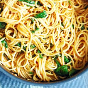 One-Pot-Italian-Pasta-Spaghete-cu-Spanac-si-Rosii-vegetarian