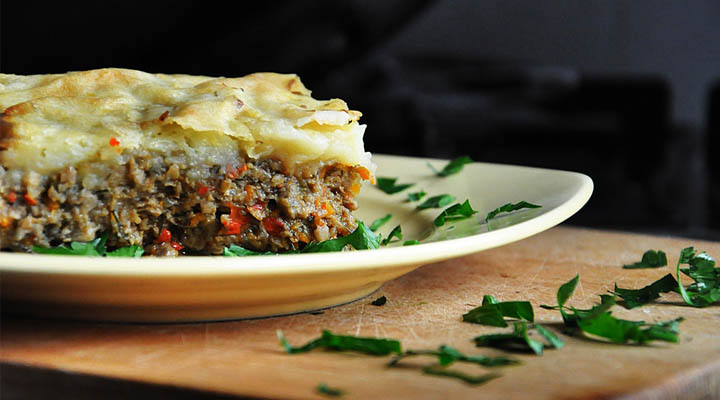 Vegetarian Mushroom Shepherd's Pie - with vegan version | Musaca de cartofi vegetariana