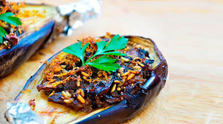 Stuffed Eggplants with Garlic Sauce Vegetarian Recipe