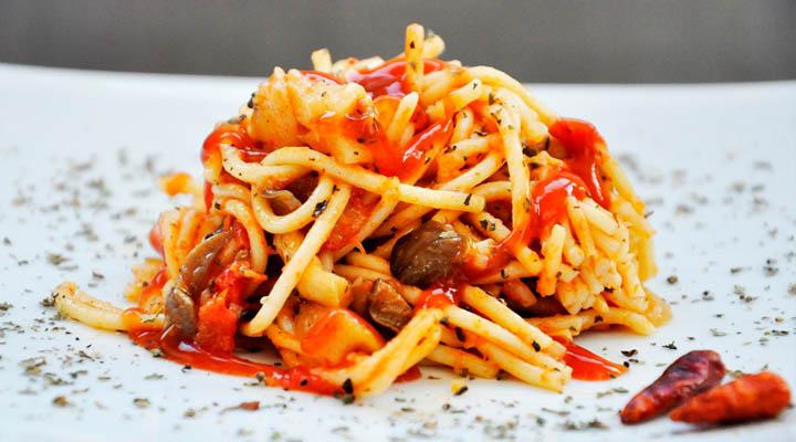 Oyster Mushroom Spaghetti paste cu ciuperci Pleurotus