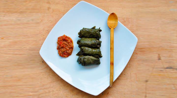 Vegetarian Mushroom and Brown Rice Dolmas Plate | Sarmale vegetariene in foi de vita