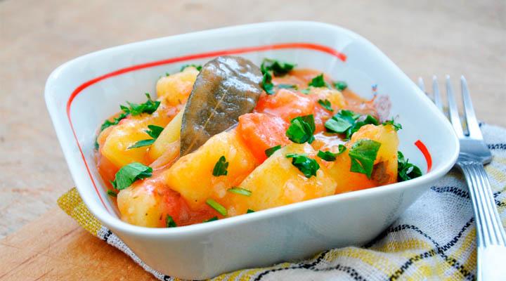Potato and Carrot Stew | Mancare de cartofi