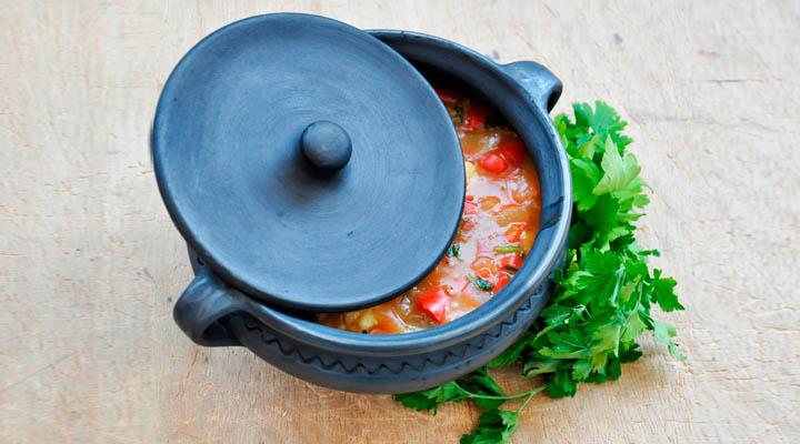 Vegetarian Hungarian Paprikás Vegetable Stew with Dumplings Lid Parsley Cooking Pot | Papricas vegetarian