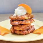 Chiftelute dulci de dovlecei Sweet & Healthy Zucchini Fritters with Vanilla Ice Cream and Apricots