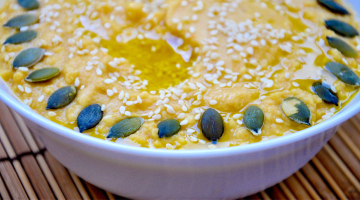 Light Hummus with Fresh Lemony Flavor with Olive Oil