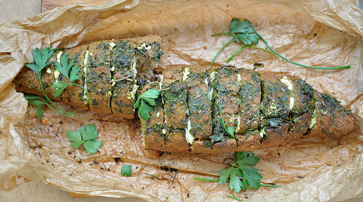 Painea padurarului umpluta cu branza telemea si verdeturi Hunters bread stuffed with cheese and herbs