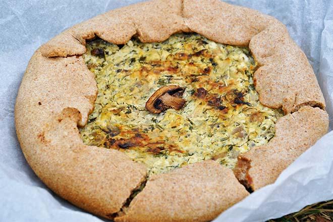 Galette cu ciuperci si branza tarta rustica cu ciuperci mushroom galette tart