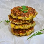 Chiftelute de quinoa cu porumb Quinoa Patties with Sweet Corn Burger