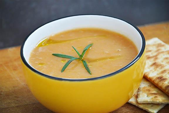 Supa crema de morcovi, cartofi si ghimbir reteta Creamy Carrot, Ginger, Potato Soup