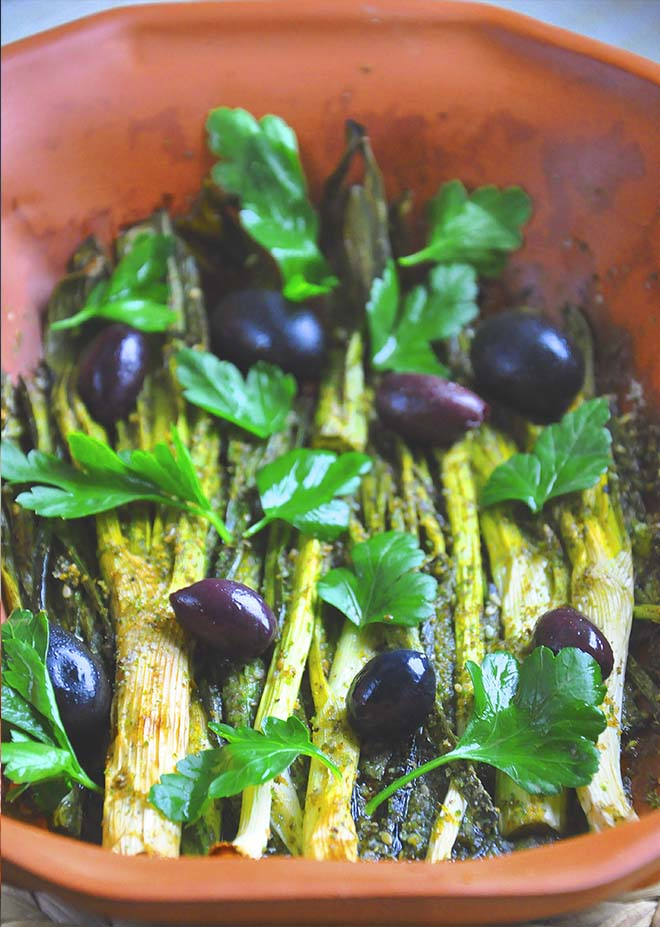 Baked Scallions Za'atar Olives vegetarian side dish recipe