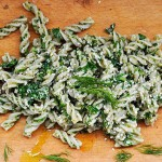 Parsley Pesto Fusilli Pasta Fusilli cu Pesto de Patrunjel