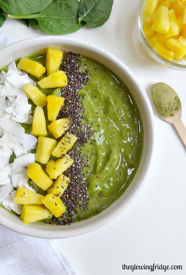 Energizing green smoothie bowl
