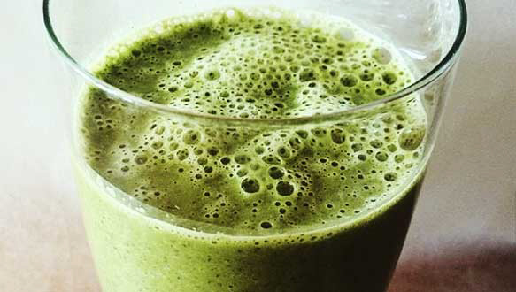 Balance Your Hormones With This Green Smoothie