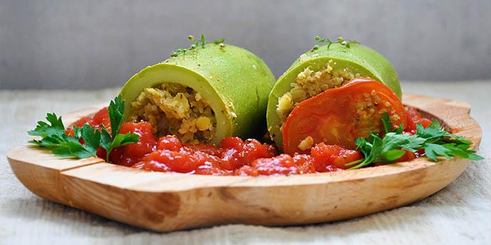 Stuffed zucchini with quinoa lentils Dovlecei umpluti cu quinoa linte