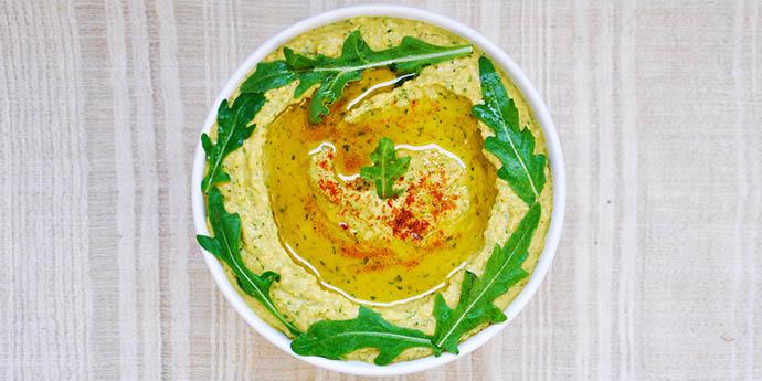 Arugula Hummus cu rucola