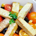 Grilled Smoked Tofu Tomato Salad Salata de rosii coapte cu tofu afumat
