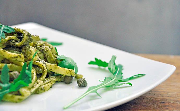 Pasta with Arugula Pesto Capers Paste cu pesto de rucola capere reteta