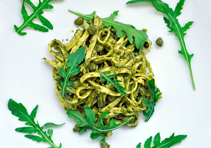 Pasta with Arugula Pesto Capers Paste cu pesto de rucola capere
