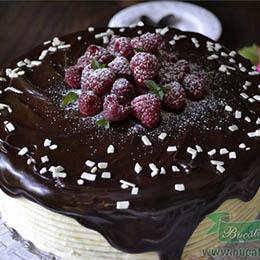tort-fara-gluten-cu-vanilie-ciocolata-si-zmeura-7