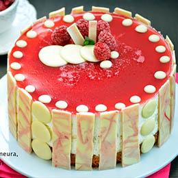 Tort cu mouse de zmeura, apa de trandafiri si cocos_2