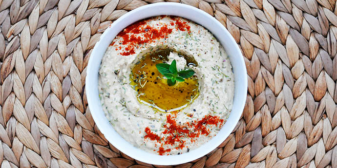 Marinated Eggplant Hummus Humus cu vinete marinate