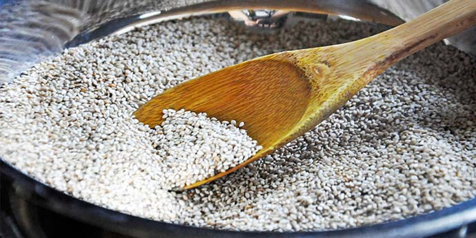 How to make gomasio sesame salt macrobiotic recipe
