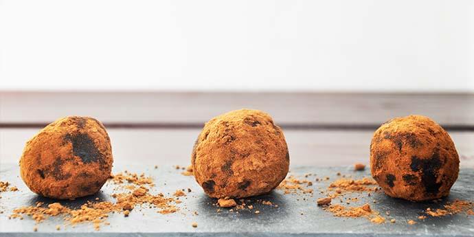 Raw Protein Power Carob Hemp Truffles Trufe raw hiperproteice cu seminte de canepa si carob