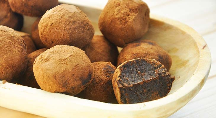Creamiest Raw Chocolate Truffles Ever Avocado-Date Chocolate Truffles