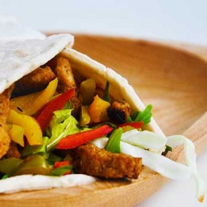 Veggie Wrap with Charred Peppers fajitas vegane