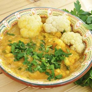 Cauliflower sweet potato stew Mancare de conopida si cartof dulce vegan