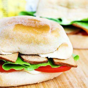 Vegan BLT Sandwich Sandvis BLT vegan