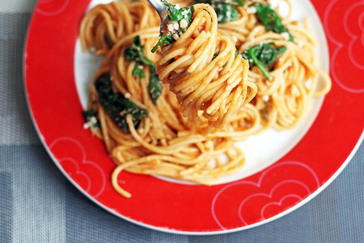 One Pot Italian Pasta Spaghete cu Spanac si Rosii recipe