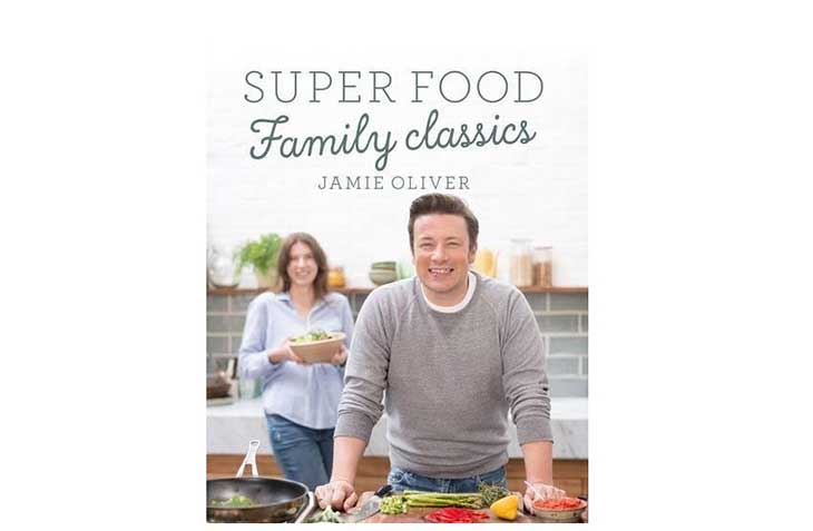Super Food Family Classics - Book by Jamie Oliver